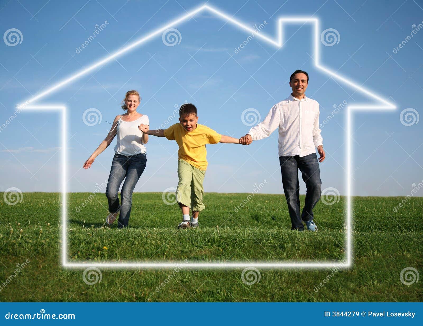 familie traumhaus stockbild bild von lebensstil hypothek 3844279. Black Bedroom Furniture Sets. Home Design Ideas