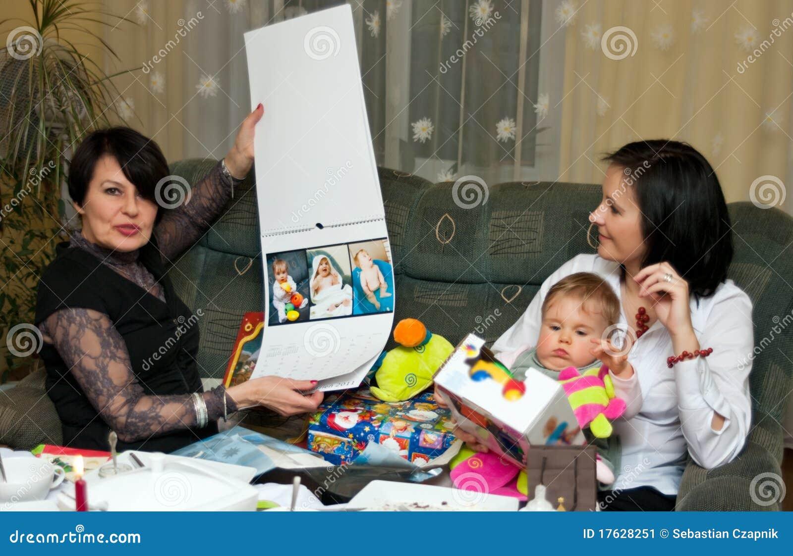 Familien-Weihnachtsgeschenke Stockbild - Bild von weihnachten ...