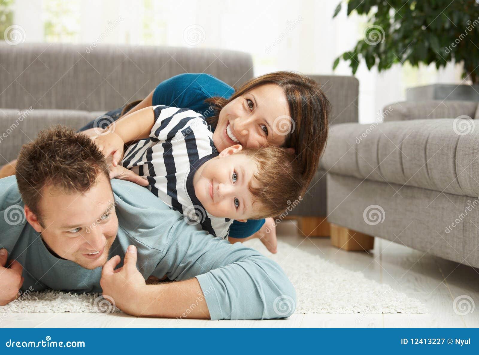 Familienhaufen zu Hause