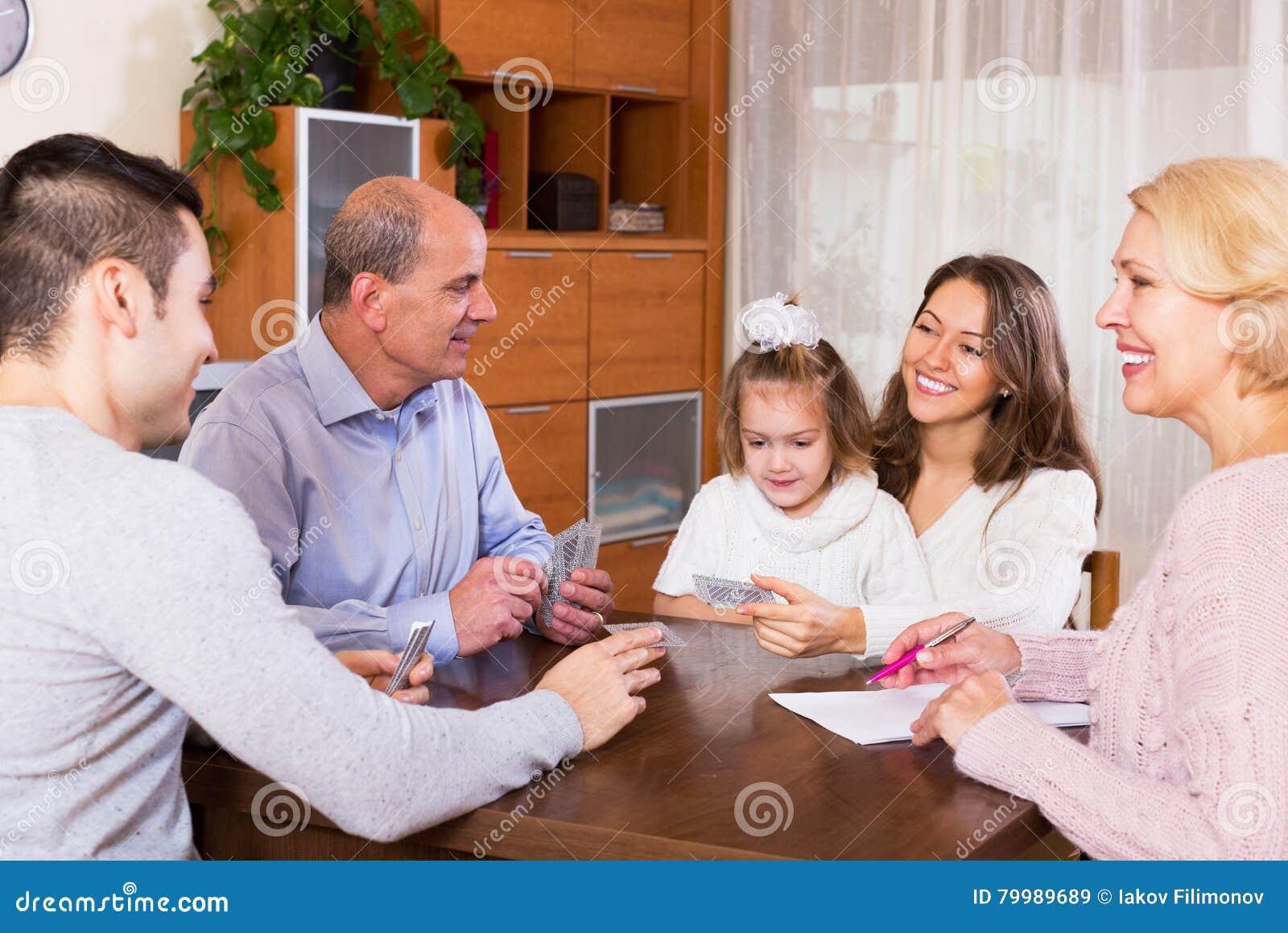 Familiespel in brug