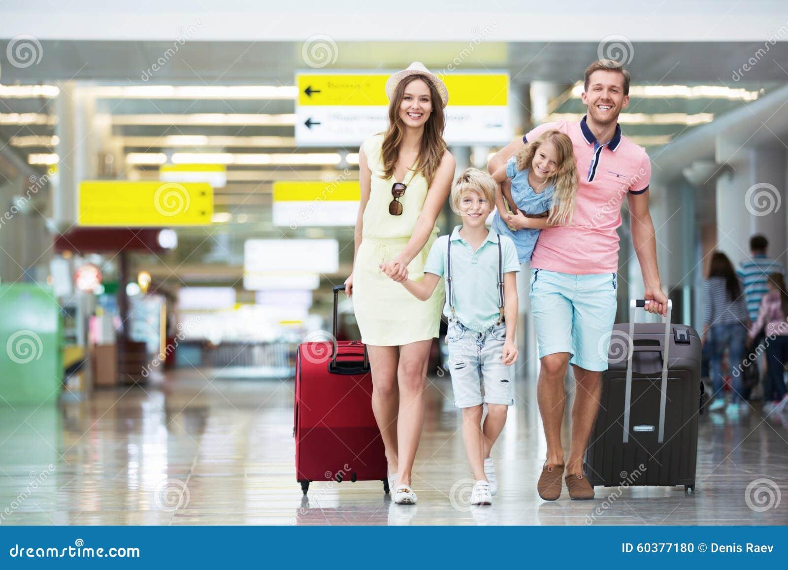 Familj i flygplatsen