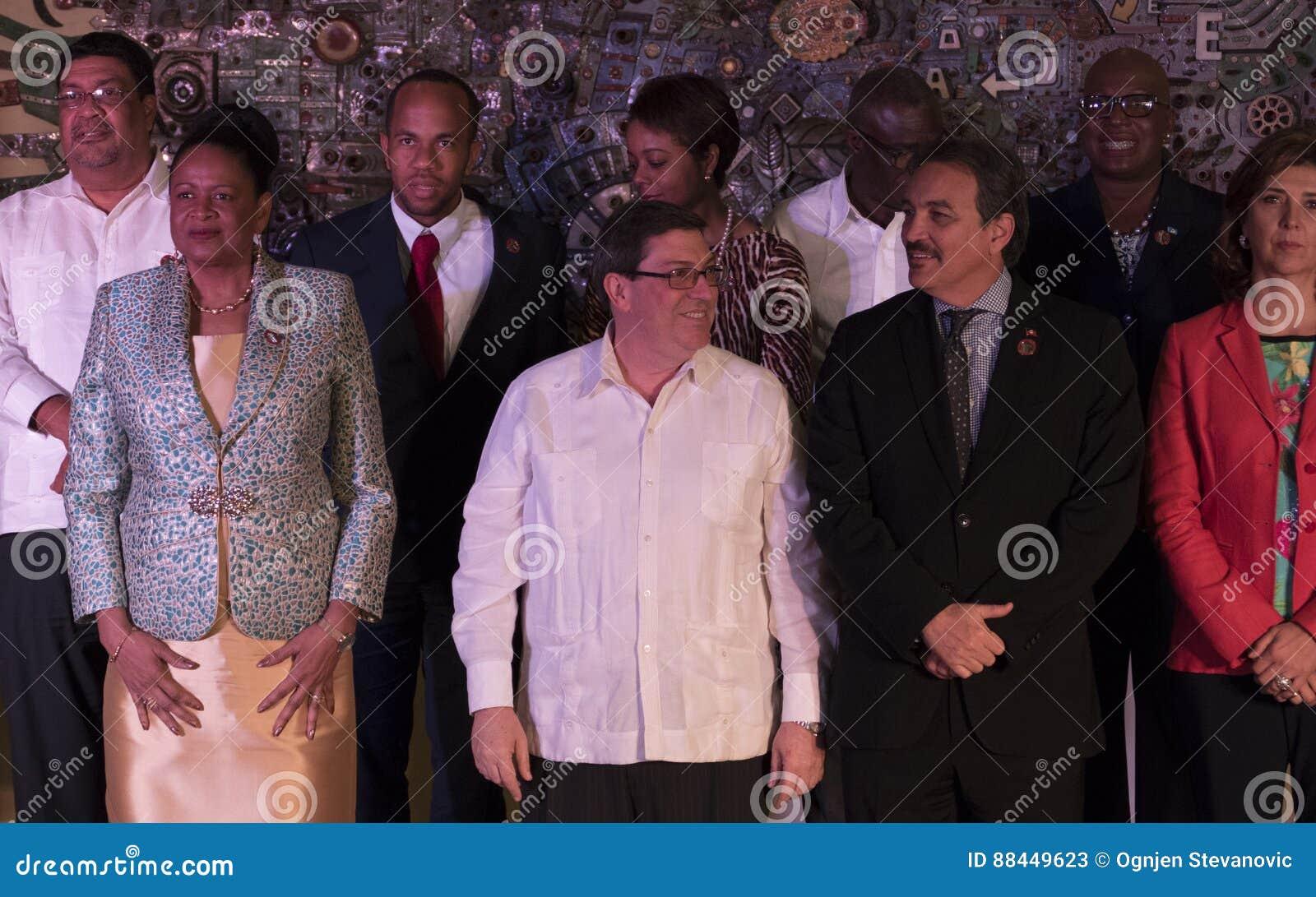 Familjfoto på slutet av det 22nd mötet av anslutningen av det ministeriella rådet för karibiska tillstånd