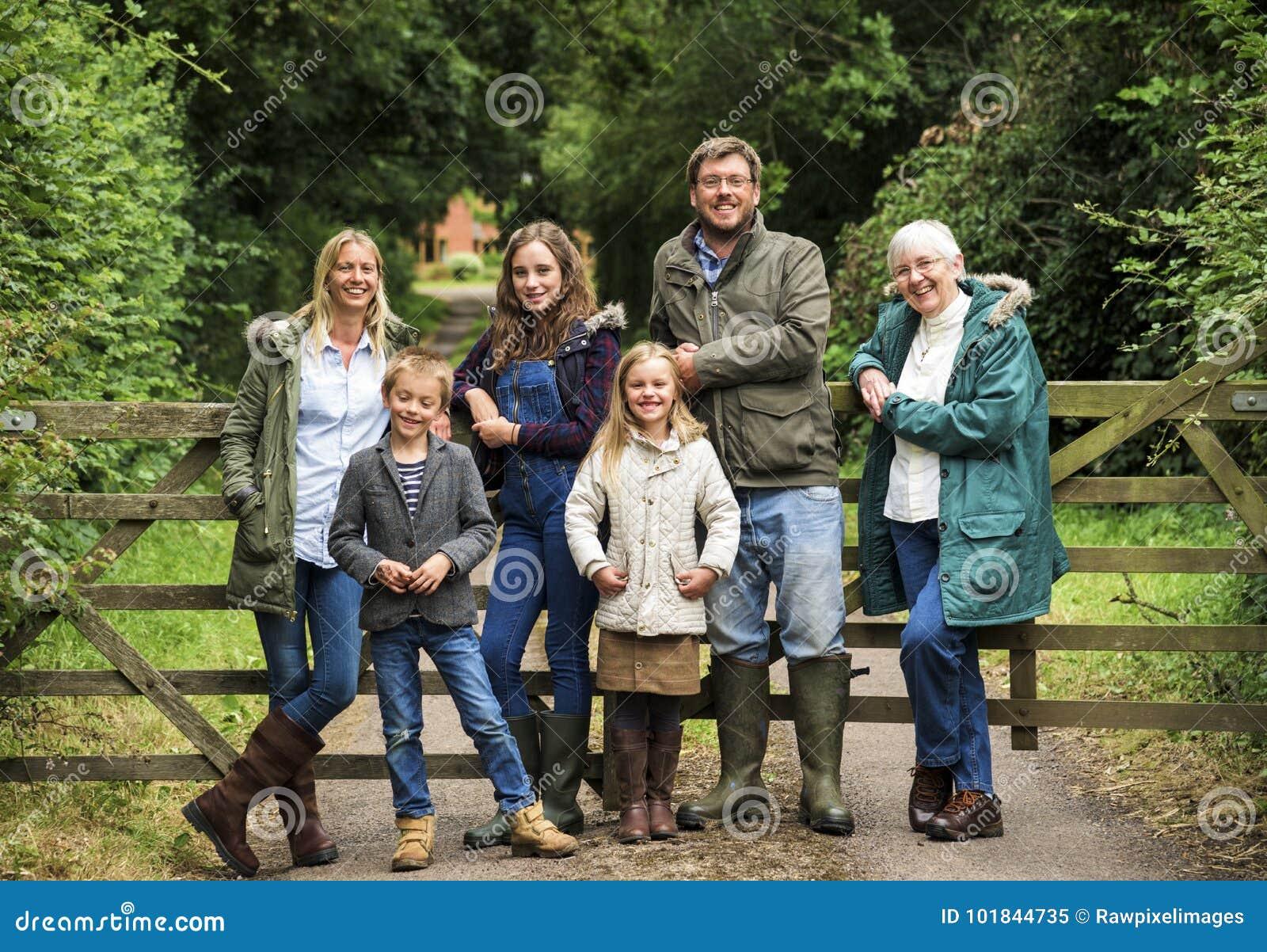 Familjutvecklingar som uppfostrar samhörighetskänslaavkopplingbegrepp