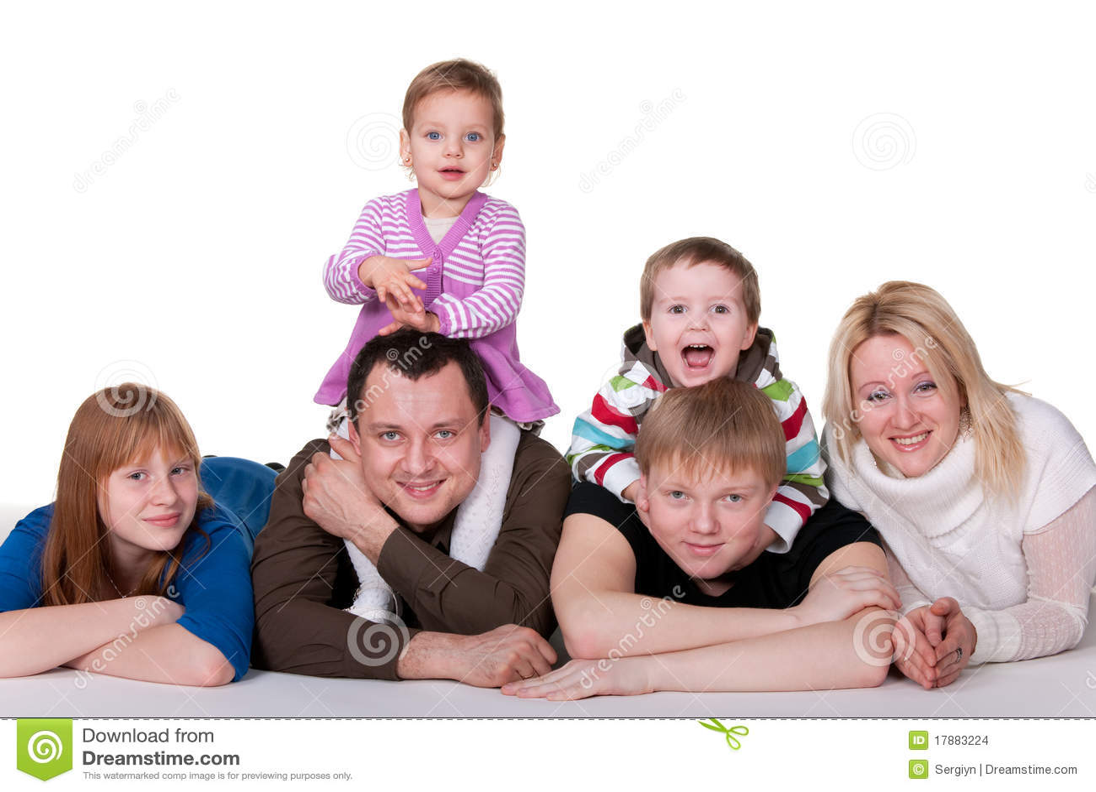 Famille de six de sourire