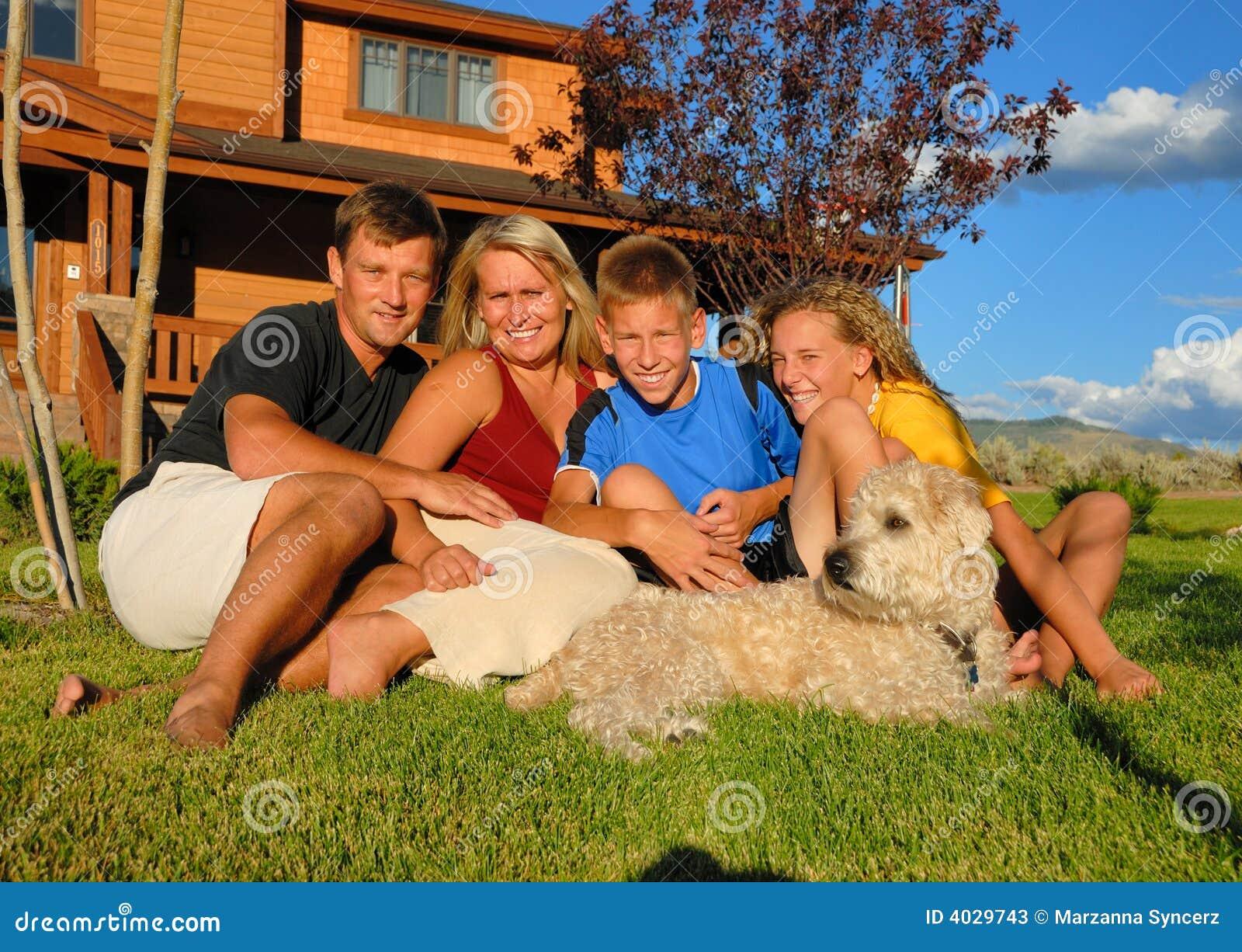 Nu devant la famille