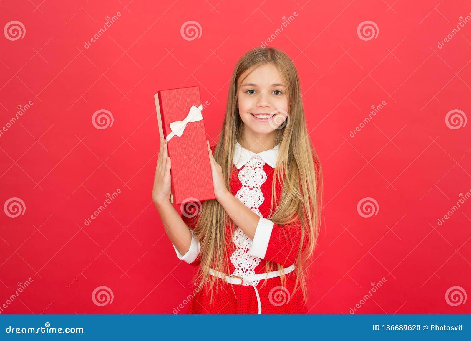 Famille et amour Le jour des enfants Bonheur d enfance petit enfant de fille Éducation d école Bon parenting Garde d enfants