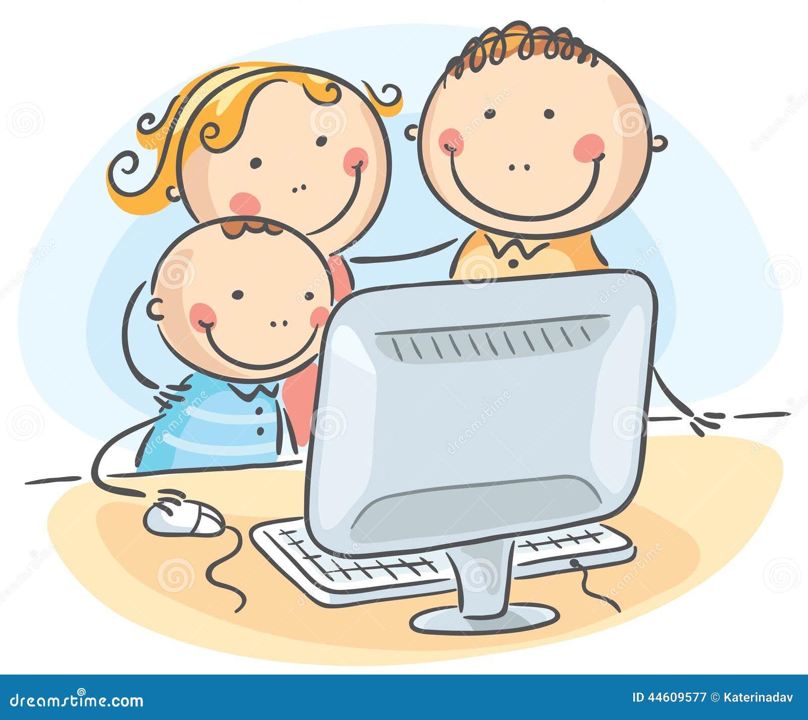 Famille heureuse à l ordinateur