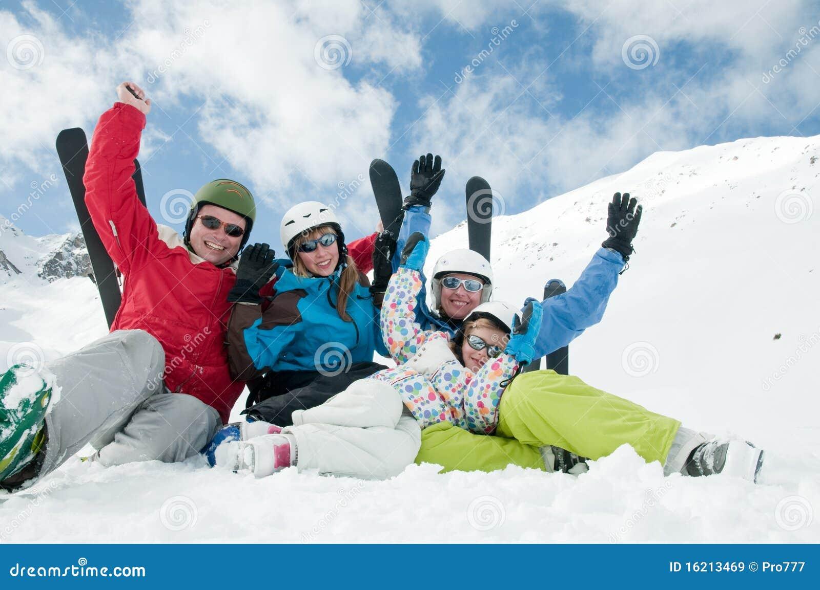 Famille, ski, neige, soleil et amusement