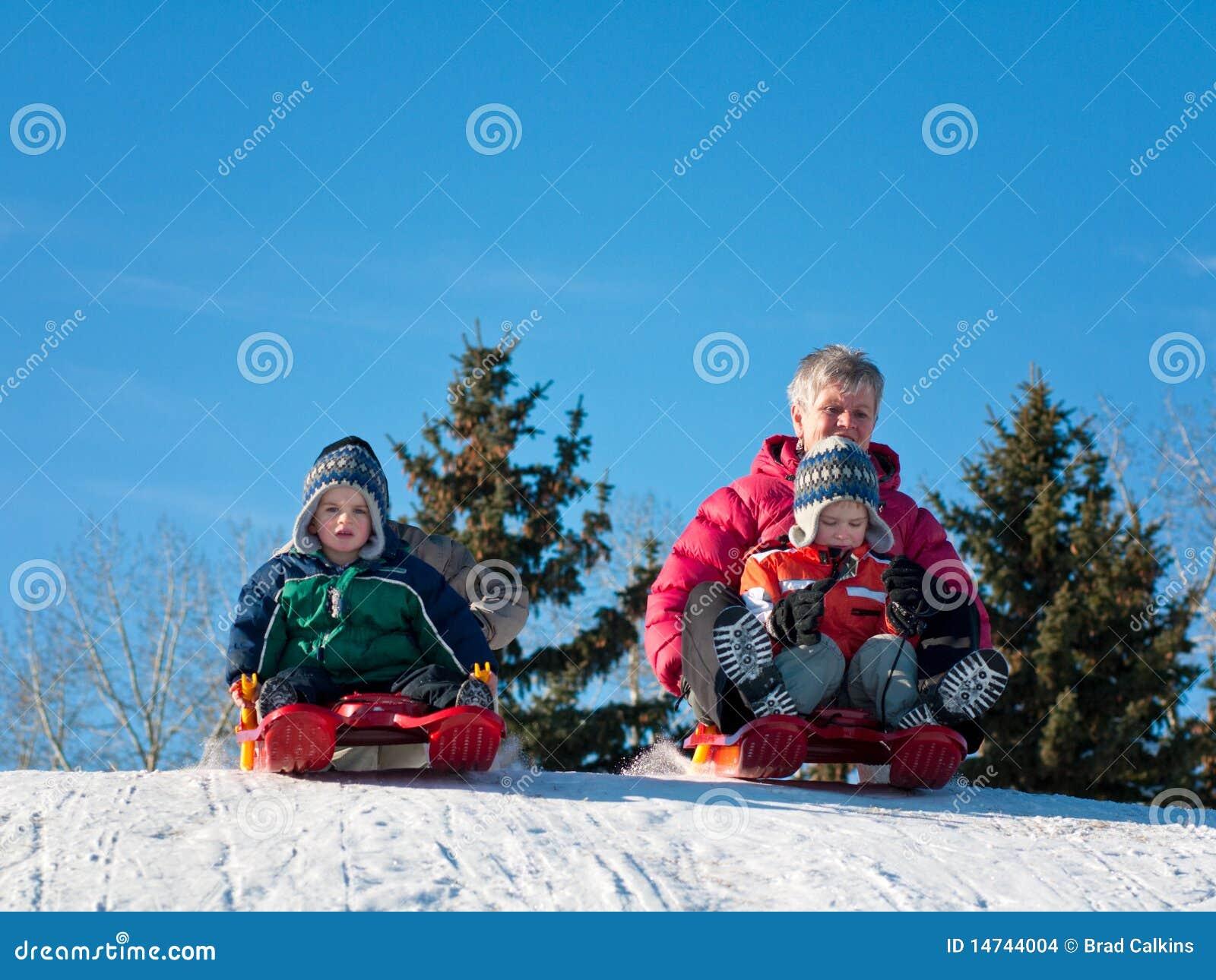 Famille sledding