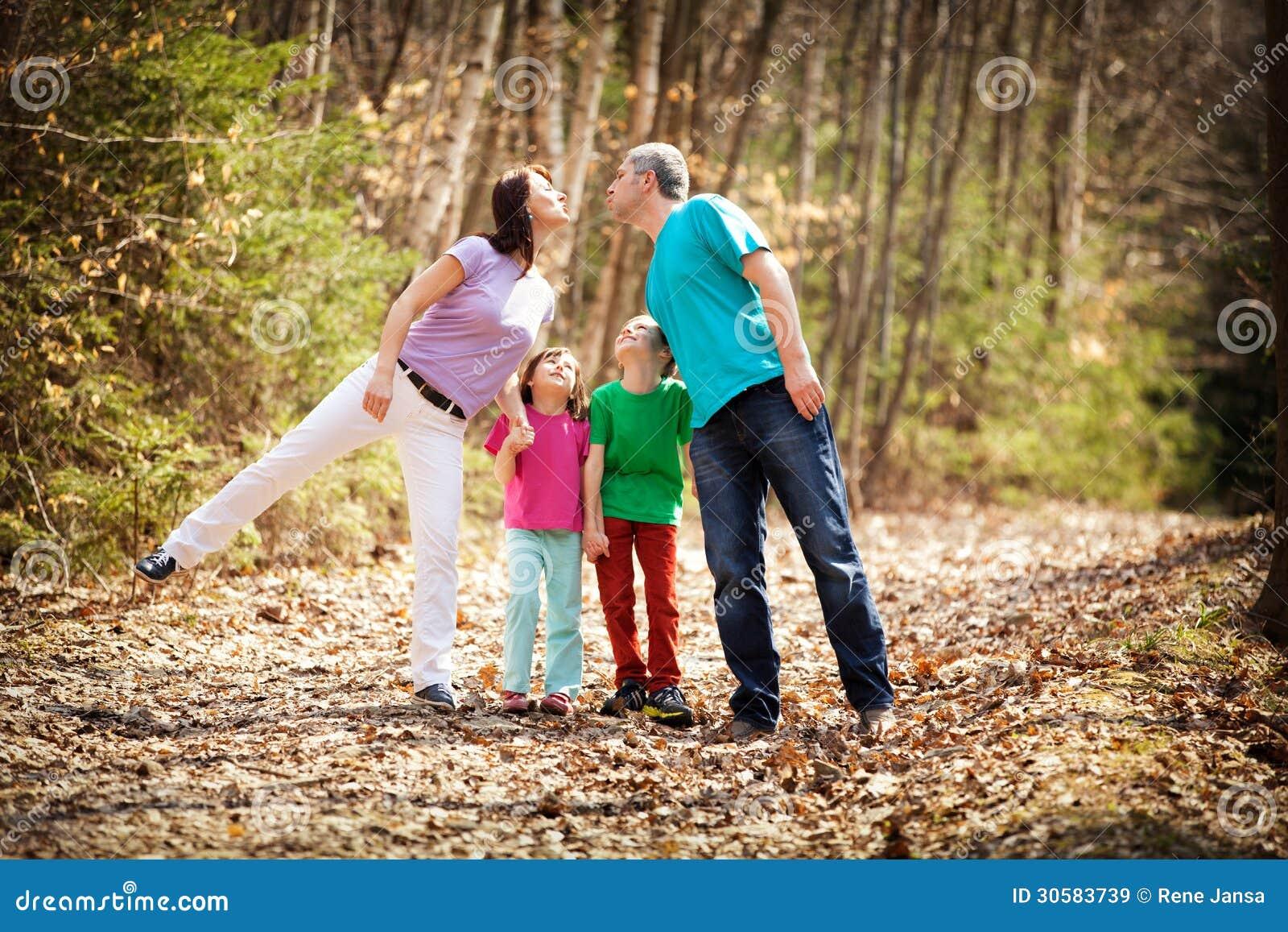 Famille sur la promenade