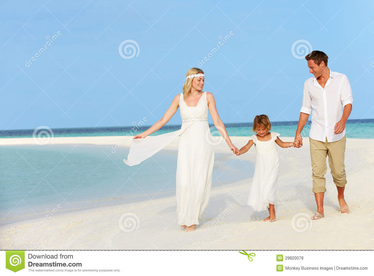 family at beautiful beach wedding royalty free stock photos image 29820078. Black Bedroom Furniture Sets. Home Design Ideas