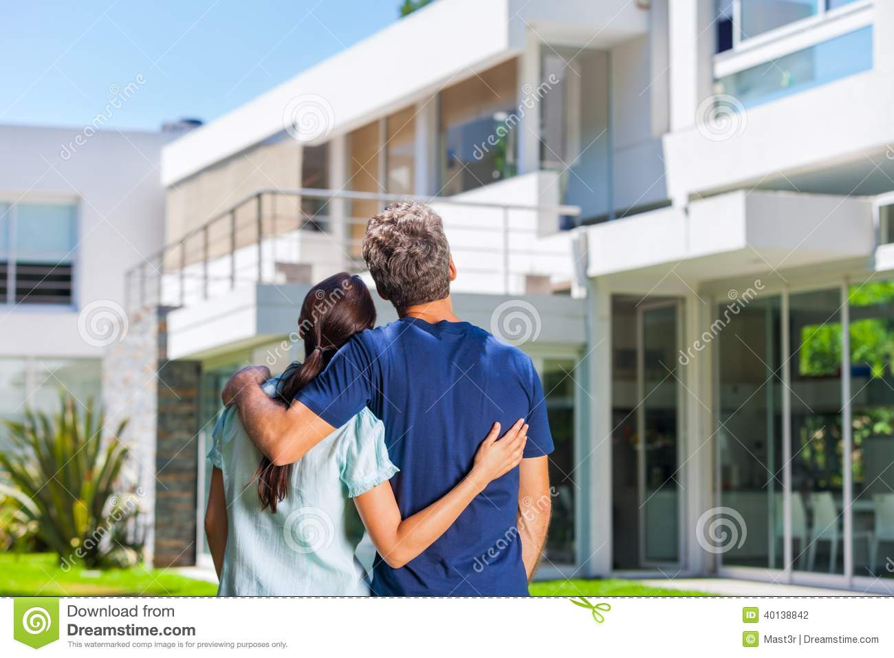 Family In Big House Stock Photo Image 40138842