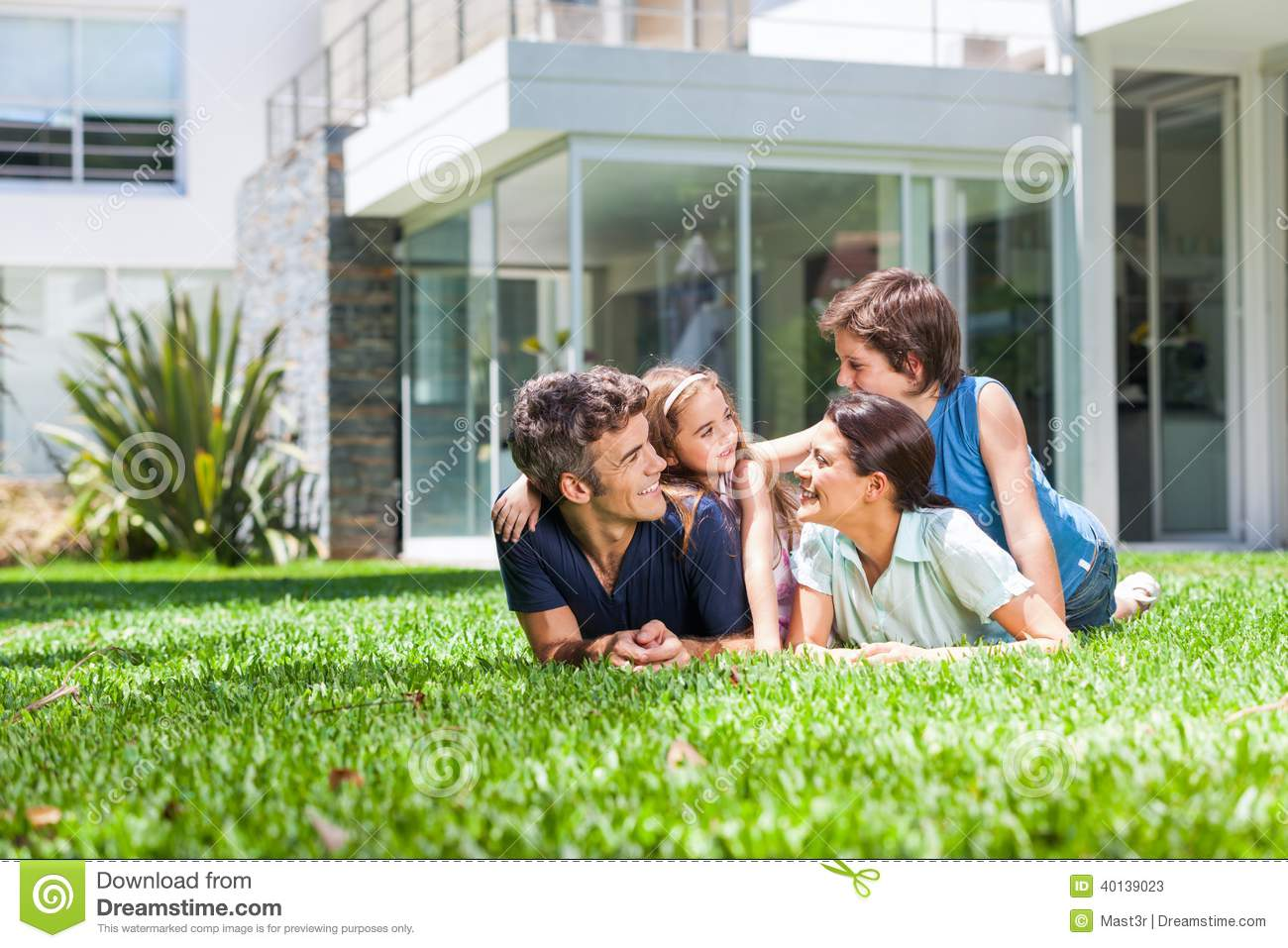 Family in big house stock image image of home family for A family house