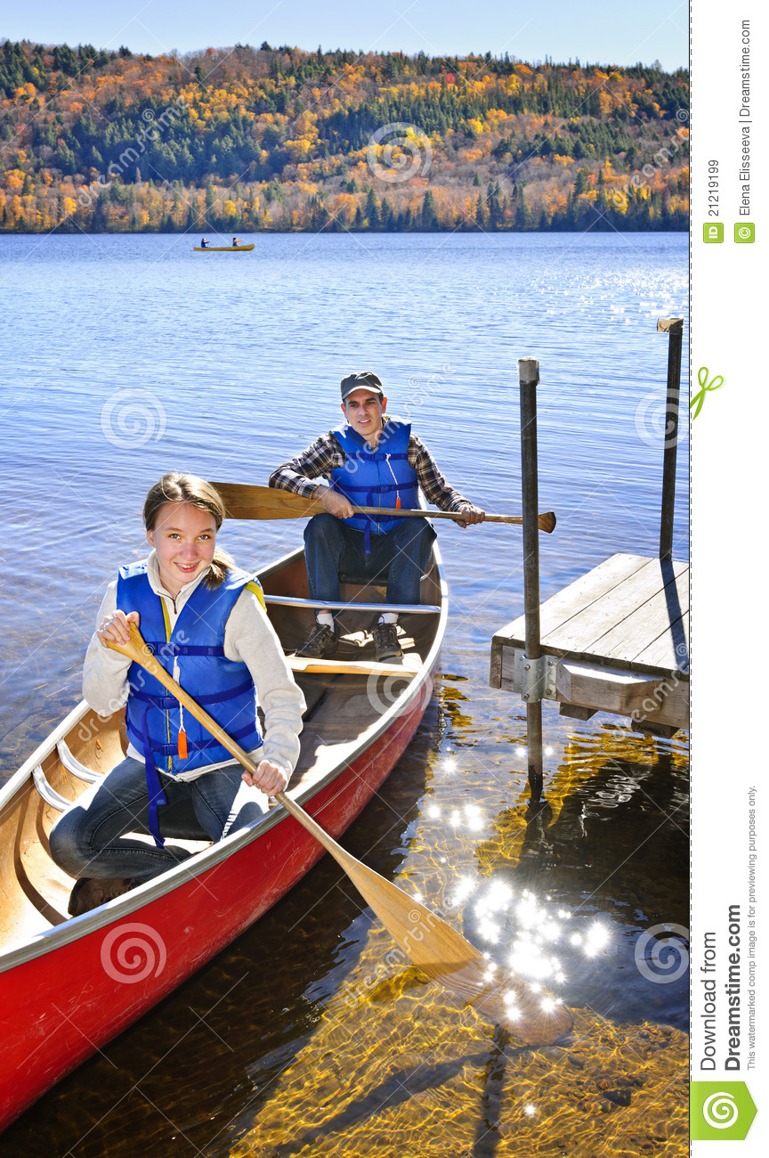 Family Canoe Trip Royalty Free Stock Images Image 21219199