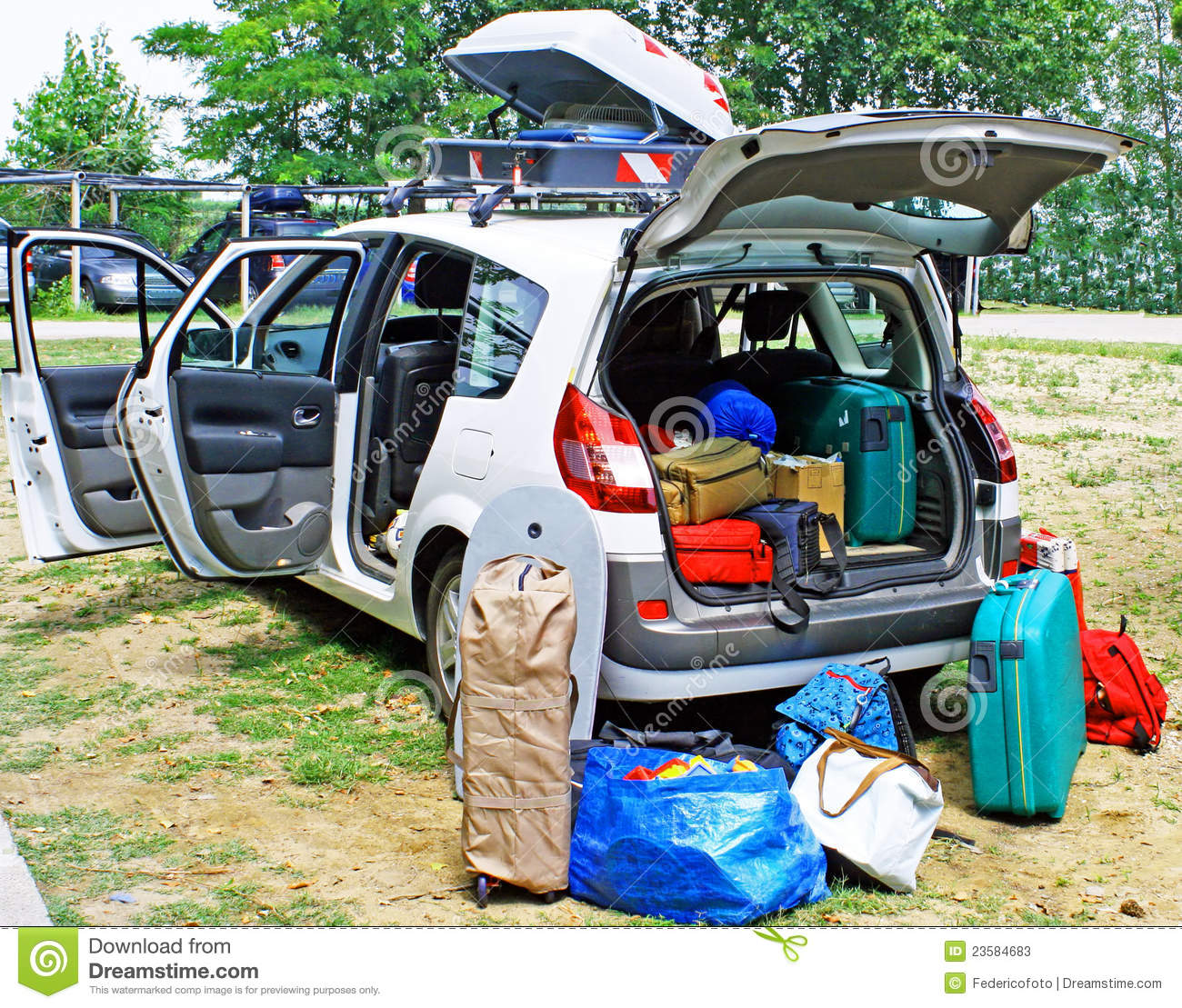 Family Car Loaded With Luggage On Holiday Stock Image