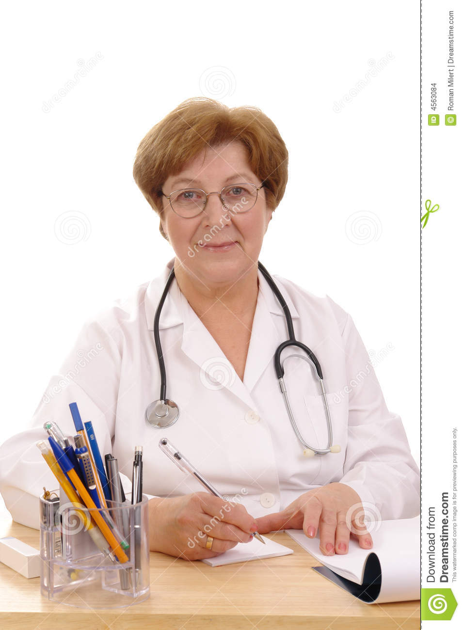 essay my family doctor A family doctor or a general doc' has been part of the health care picture ever since medicine began (physicians 59) general practitioners are primary care physicians and may sometimes be referred to as family practice physicians family and doctor essayand then usually my.