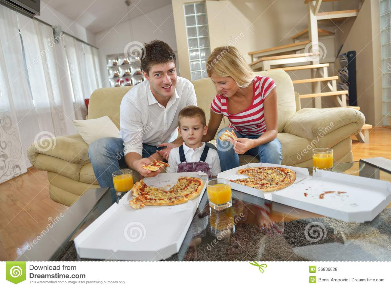 Family Eating Pizza Royalty Free Stock Photos - Image ...