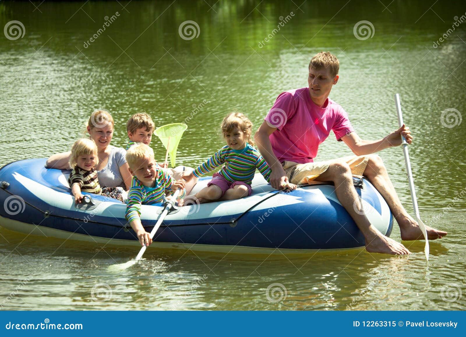 Секс в рыбацкой лодке 24 фотография