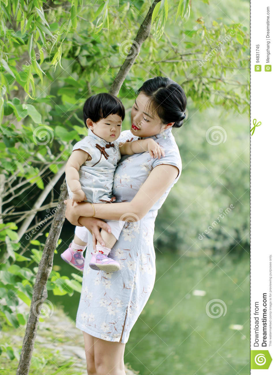 Dating woman with baby