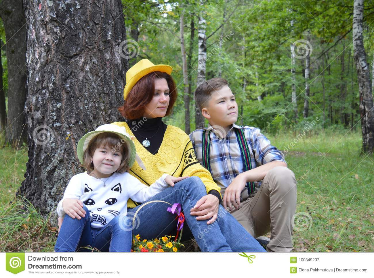 Forest Trees Nature Autumn Friends Together Daughter Kids ...