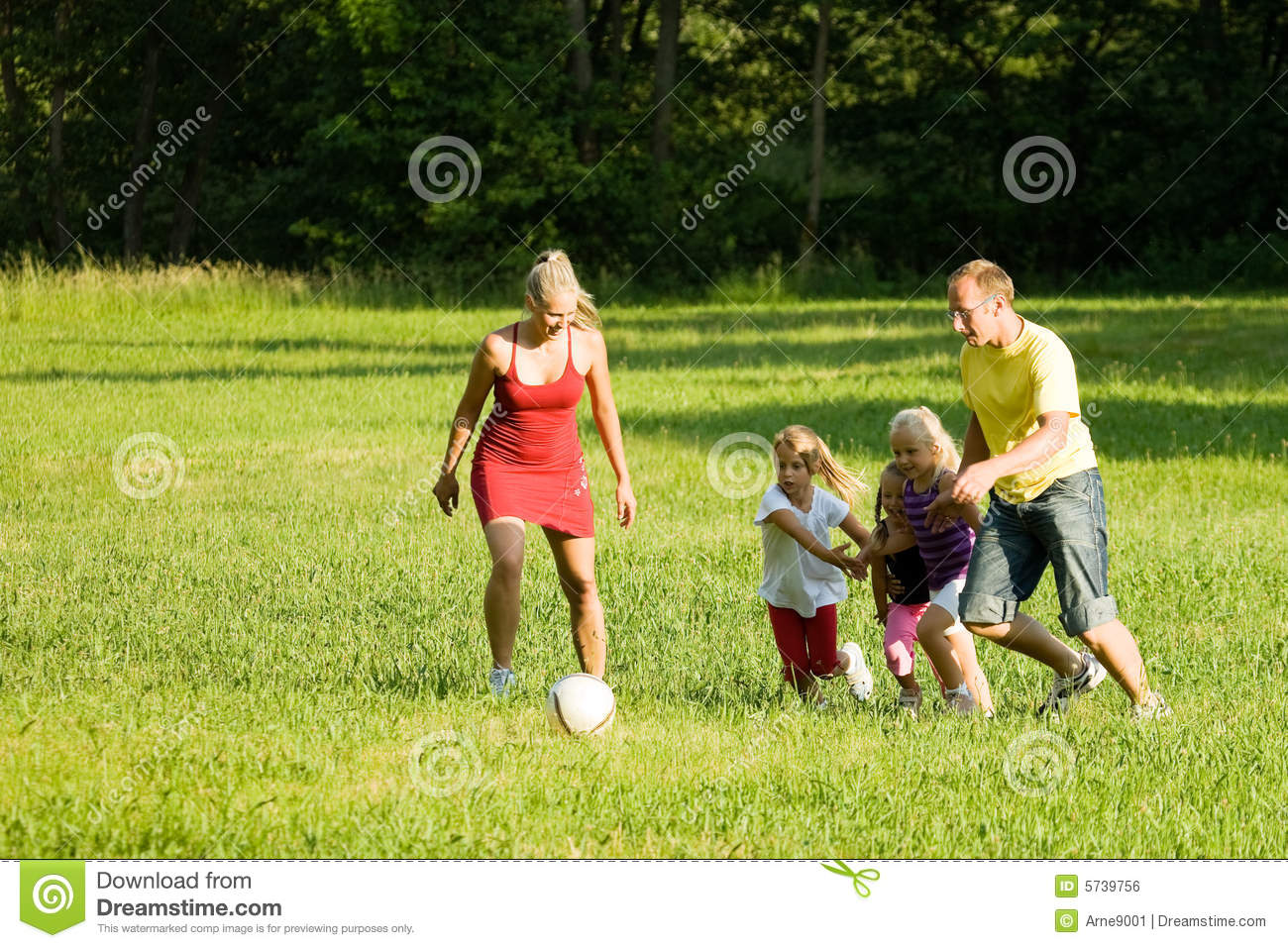 family playing soccer royalty free stock image image father and daughter fishing clipart father and daughter dancing clipart