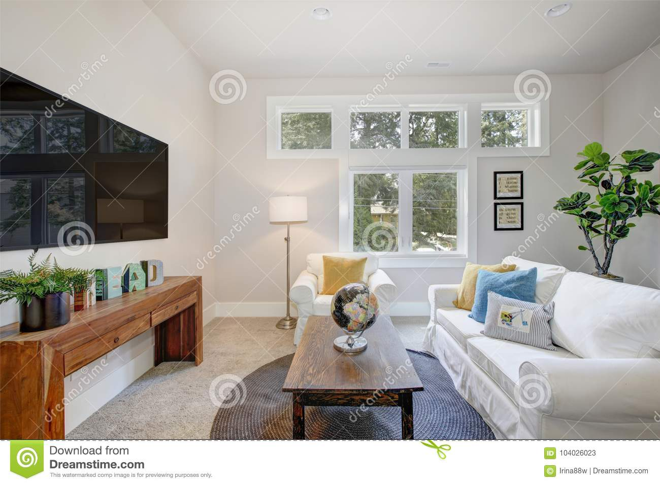 Awe Inspiring Nice Family Room With Pure White Sofas Stock Image Image Pdpeps Interior Chair Design Pdpepsorg