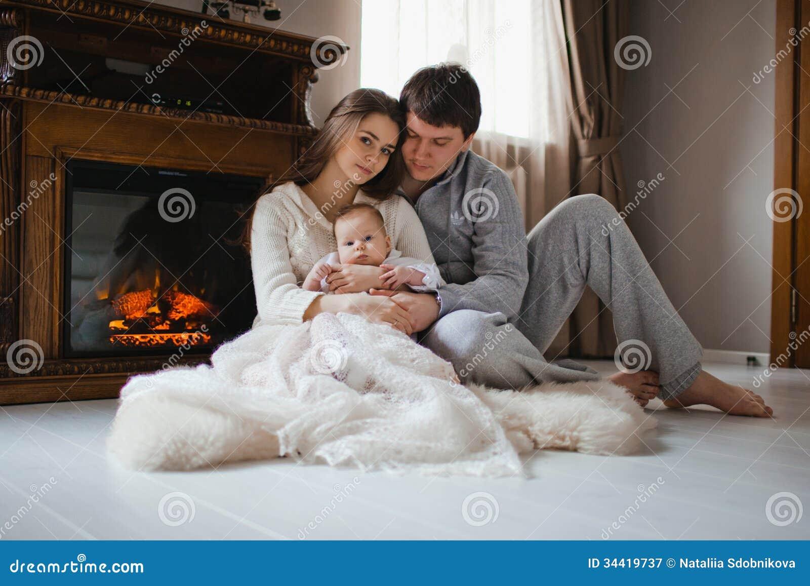 Семейные фото у камина 7 фотография