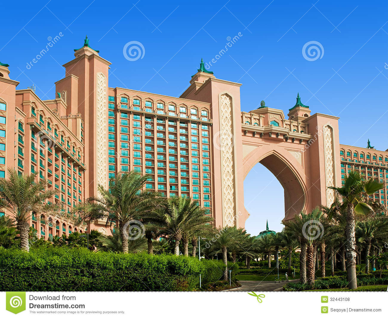 The famous atlantis hotel on the palm island editorial for Dubai world famous hotel