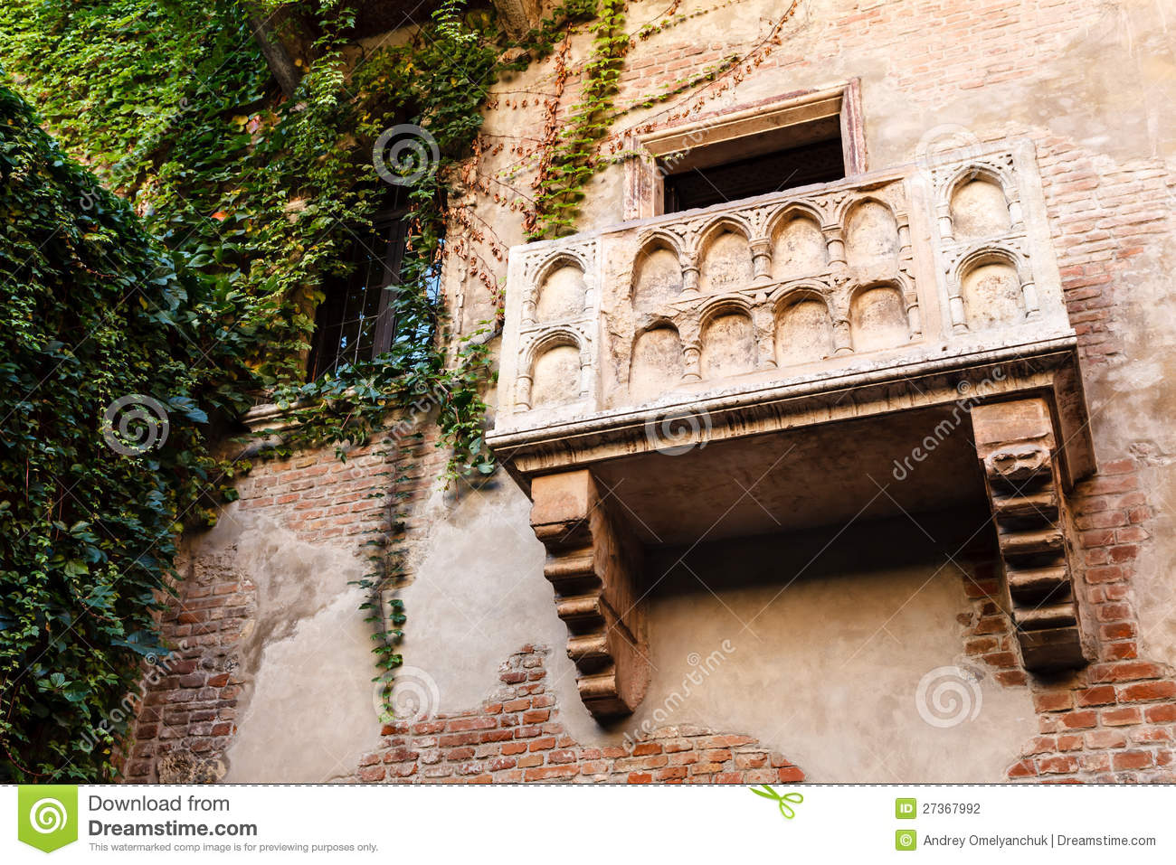 The famous balcony of juliet capulet home stock for Famous balcony