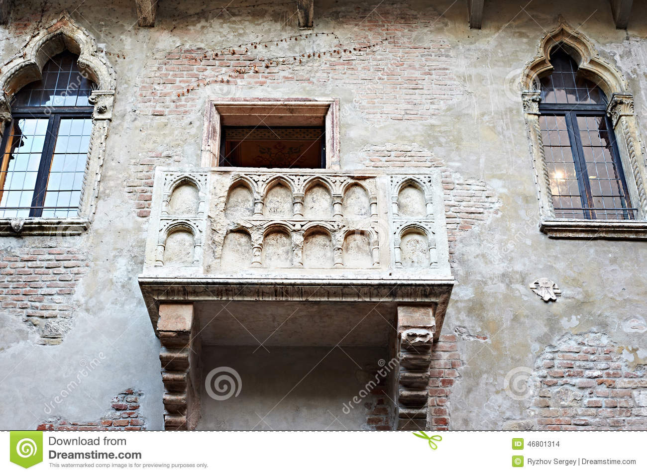 Famous balcony of juliet in verona stock photo image for Famous balcony