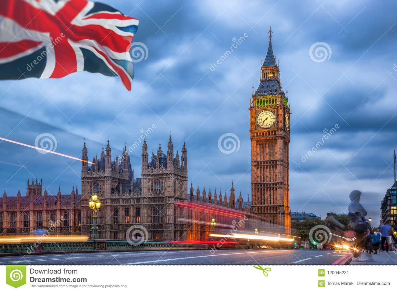The Big Ben And The House Of Parliament At Night London Uk Stock