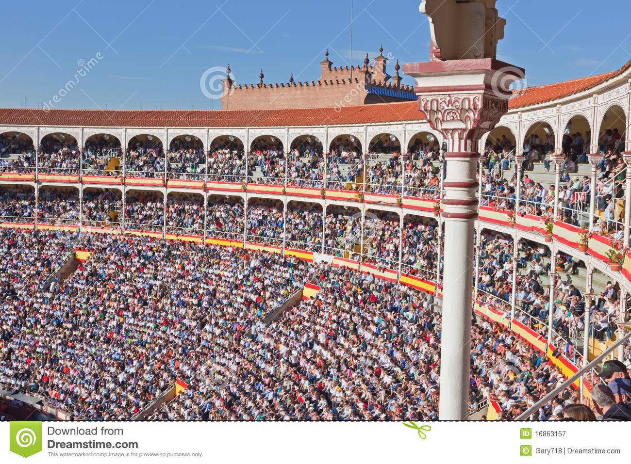 Famous bullfighting arena editorial photography. Image of outdoors - 16863157