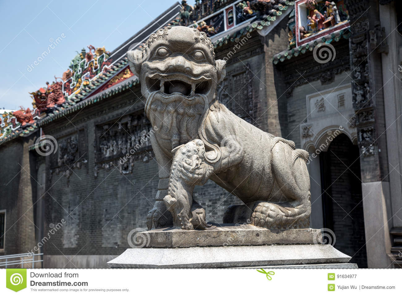 The famous tourist attractions in Guangzhou city China Chen ancestral temple, Qianmen granite carved lions.