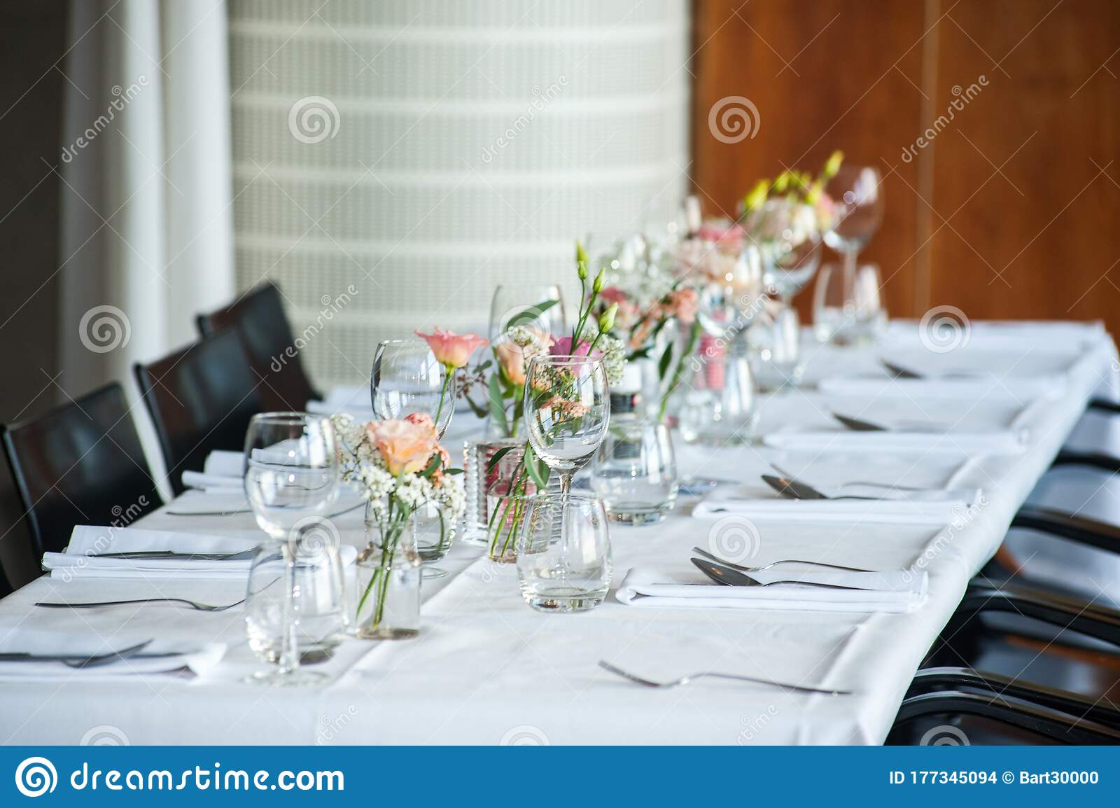 26 420 Diner Table Photos Free Royalty Free Stock Photos From Dreamstime