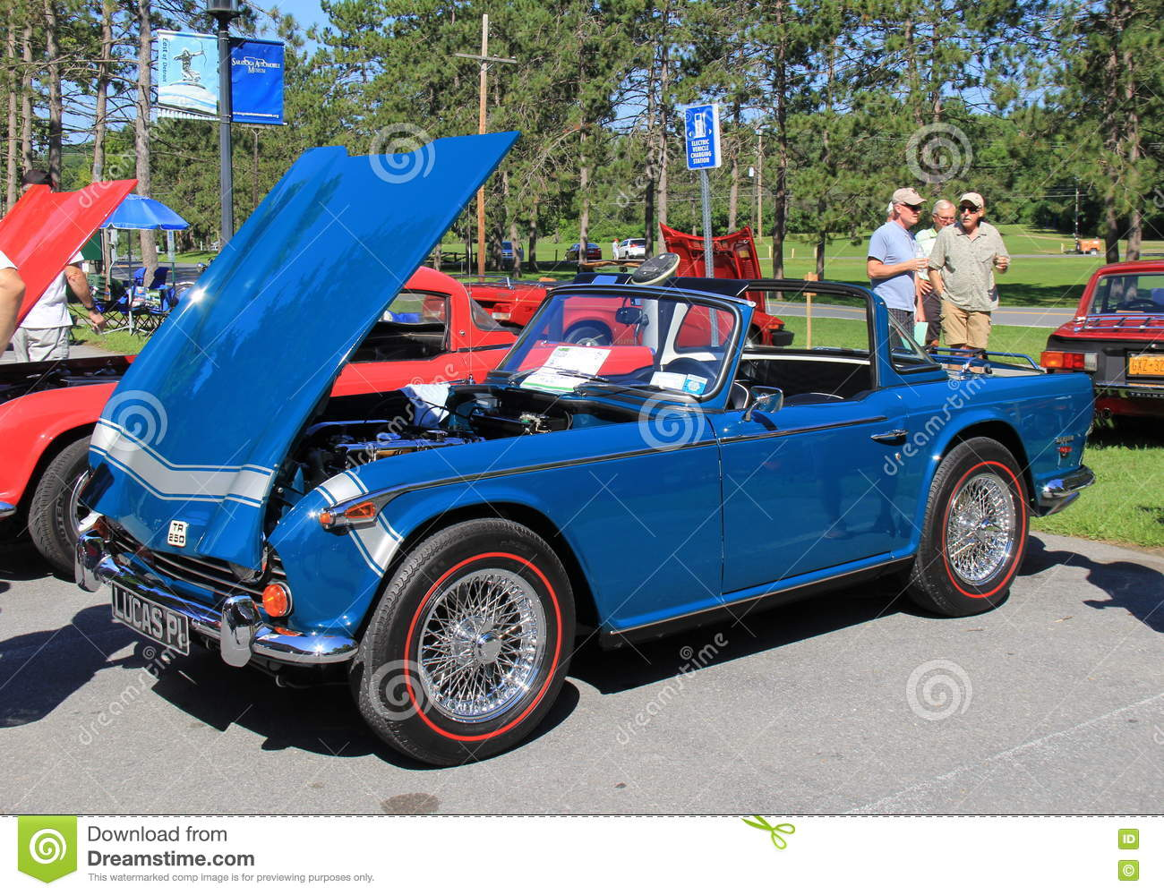 Fancy Antique Cars On Display At Show Saratoga Automobile Museum - Saratoga auto museum car show