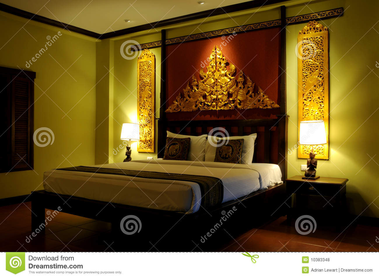 Fancy Asian Style Bedroom Royalty Free Stock Photos