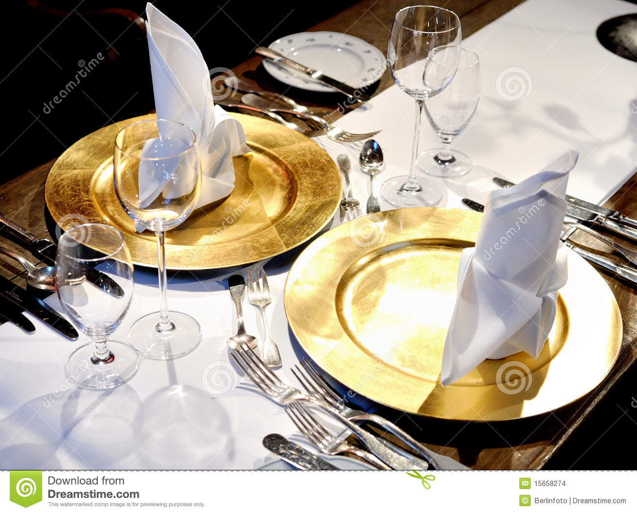 Fancy restaurant table setting - Fancy Table Settings Stock Images