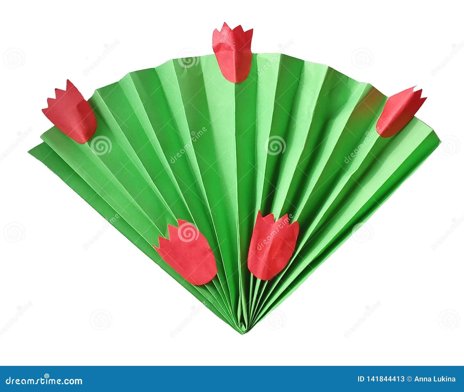 Fanen av papper i origami utformar att likna en bukett av sidor och tulpan