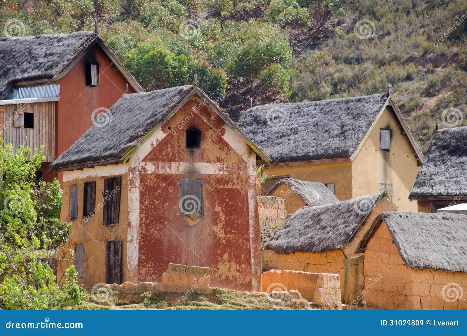 Case Di Mattoni Di Fango : Fango e case con mattoni a vista in un villaggio fuori di