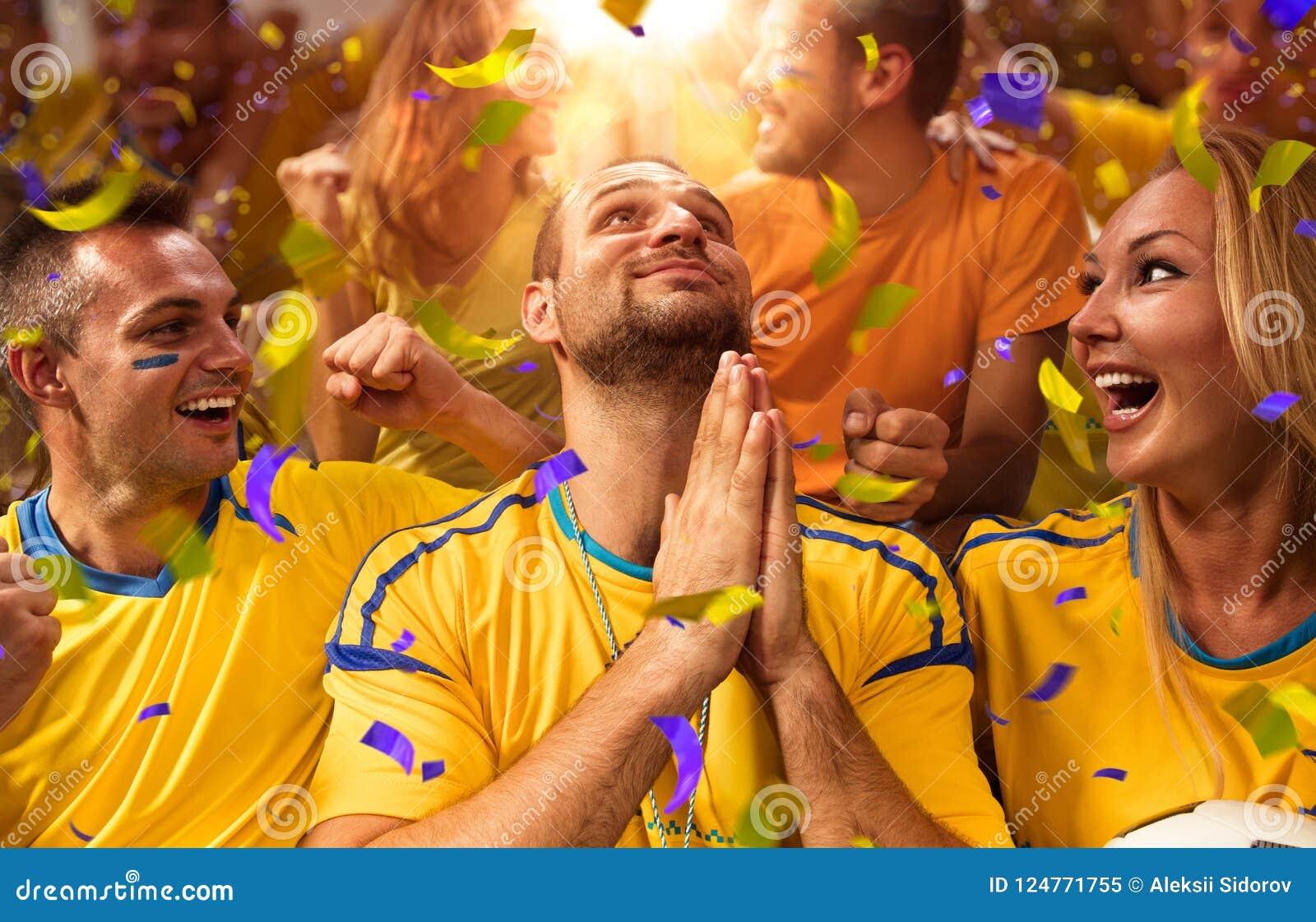 Fans de la diversión en arena del estadio