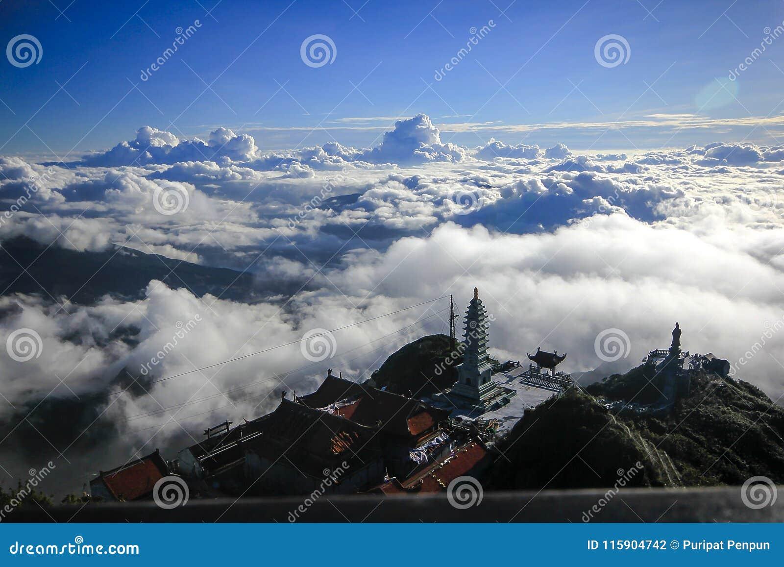 Fansipan is de hoogste berg in Vietnam