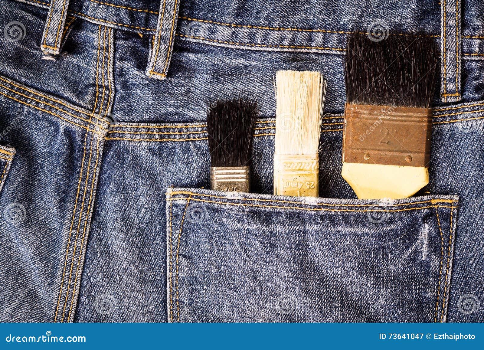 Farb muśnięcia w cajg kieszeni