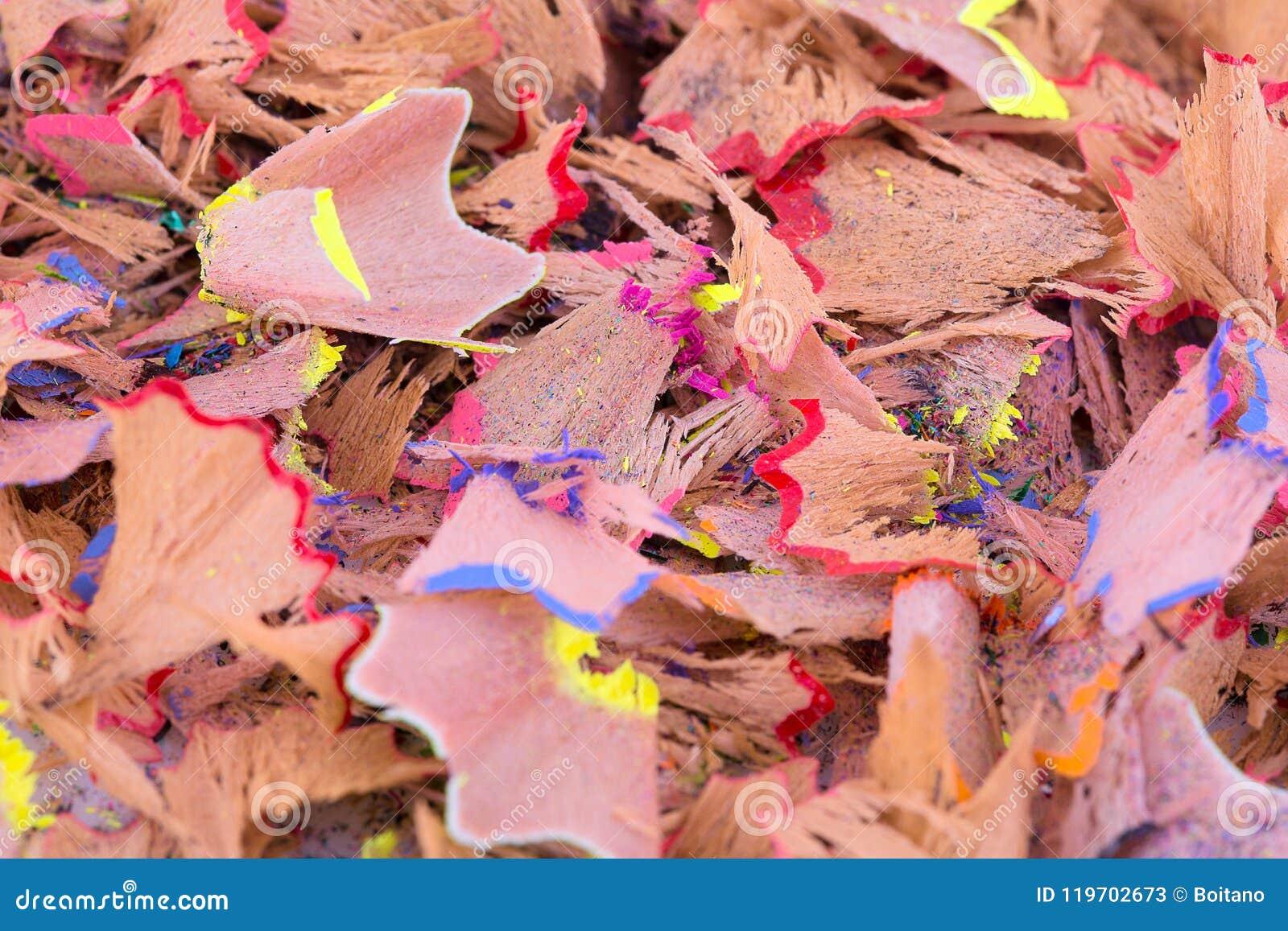 Farbbleistift rasiert Hintergrund Bunte Bleistiftschnitzel in der Nahaufnahme Zeichnen Schnitzeltapete an