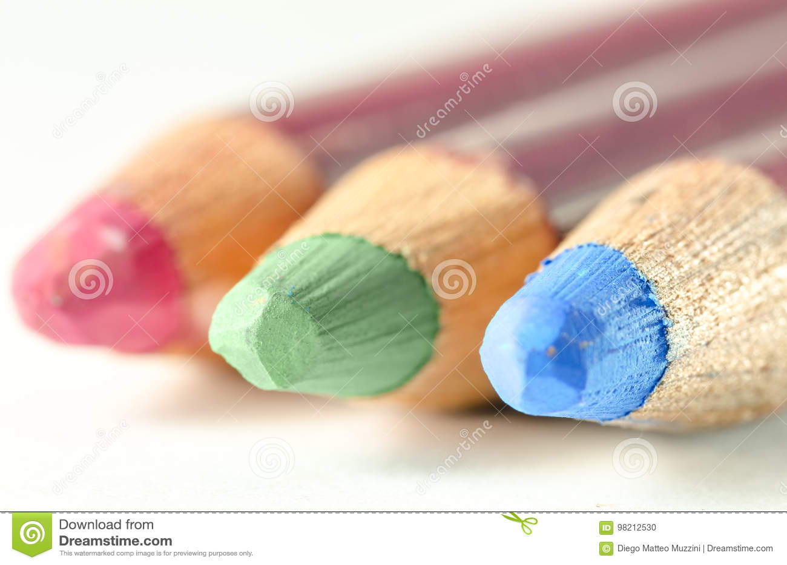 Farbige Bleistifte mit RGB-Nuancen