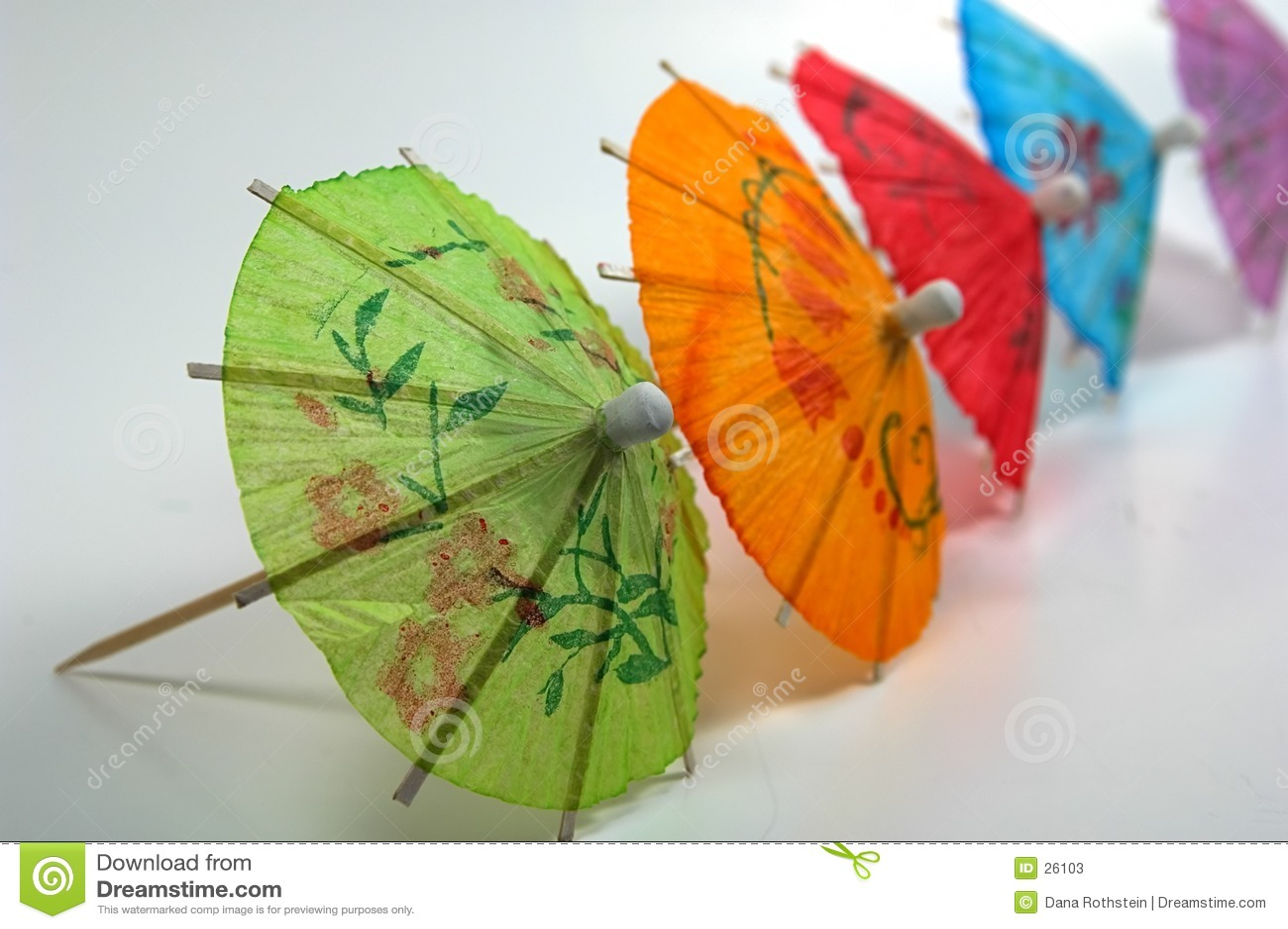 Farbige Getränk-Regenschirme