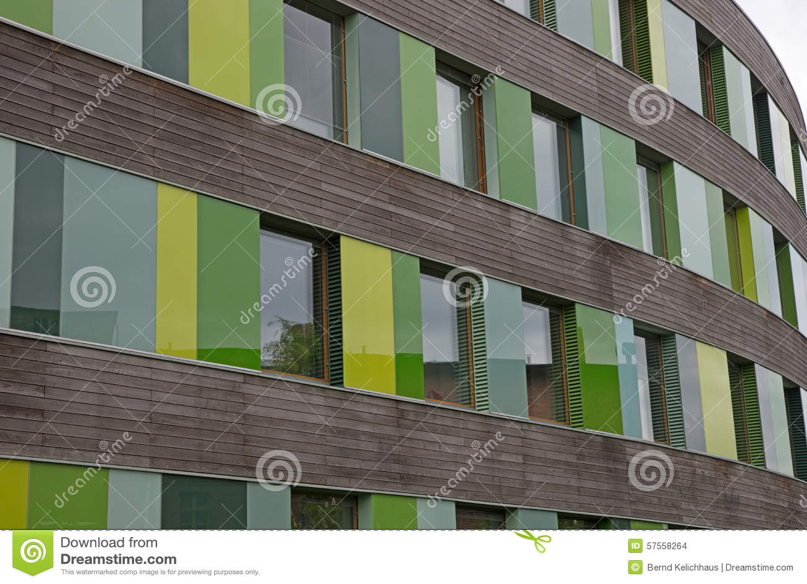 Glasfassade bunt  Farbige Glasfassade Stockfoto - Bild: 57558264
