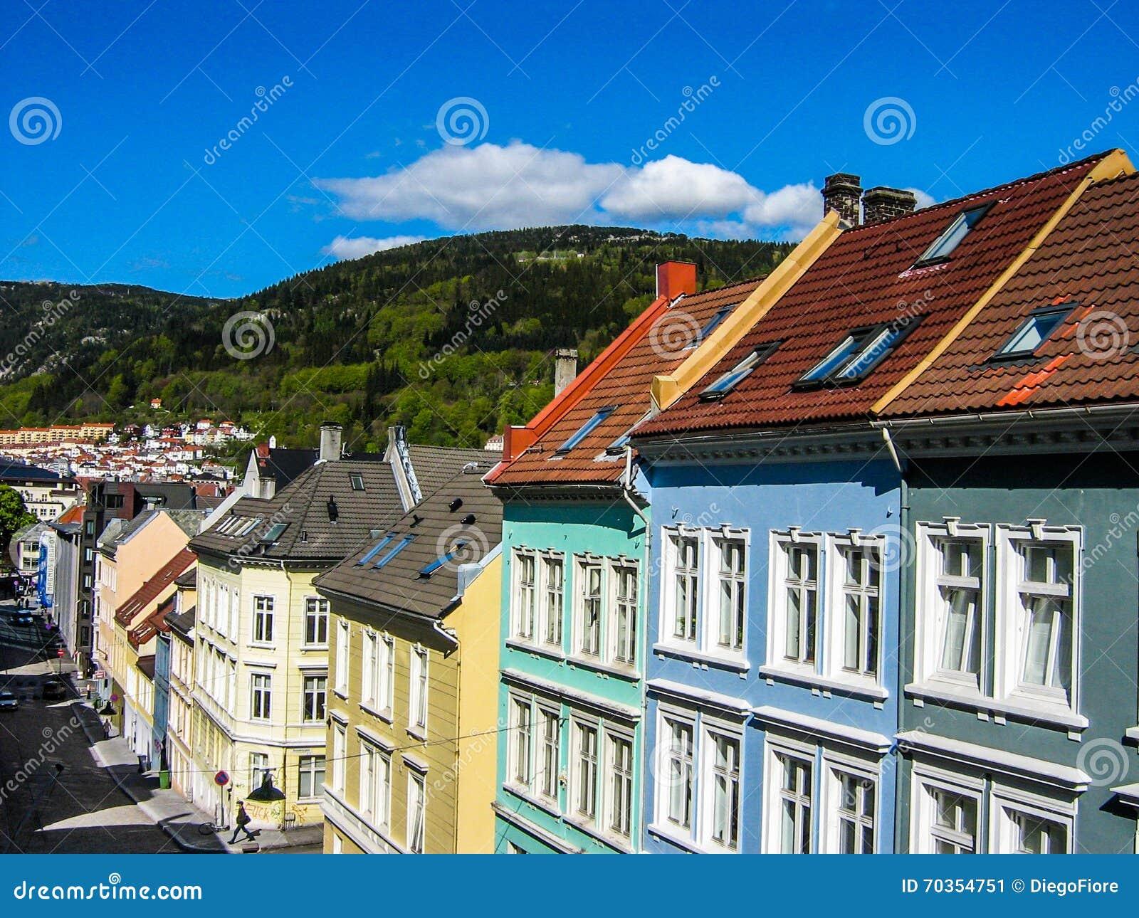 Farbige Häuser In Bergen, Norwegen Stockbild - Bild von ehrfürchtig ...