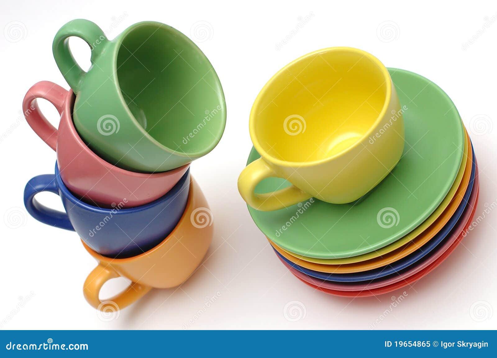 Farbige Kaffeetassen Und Teller Stockbild Bild Von Regenbogen