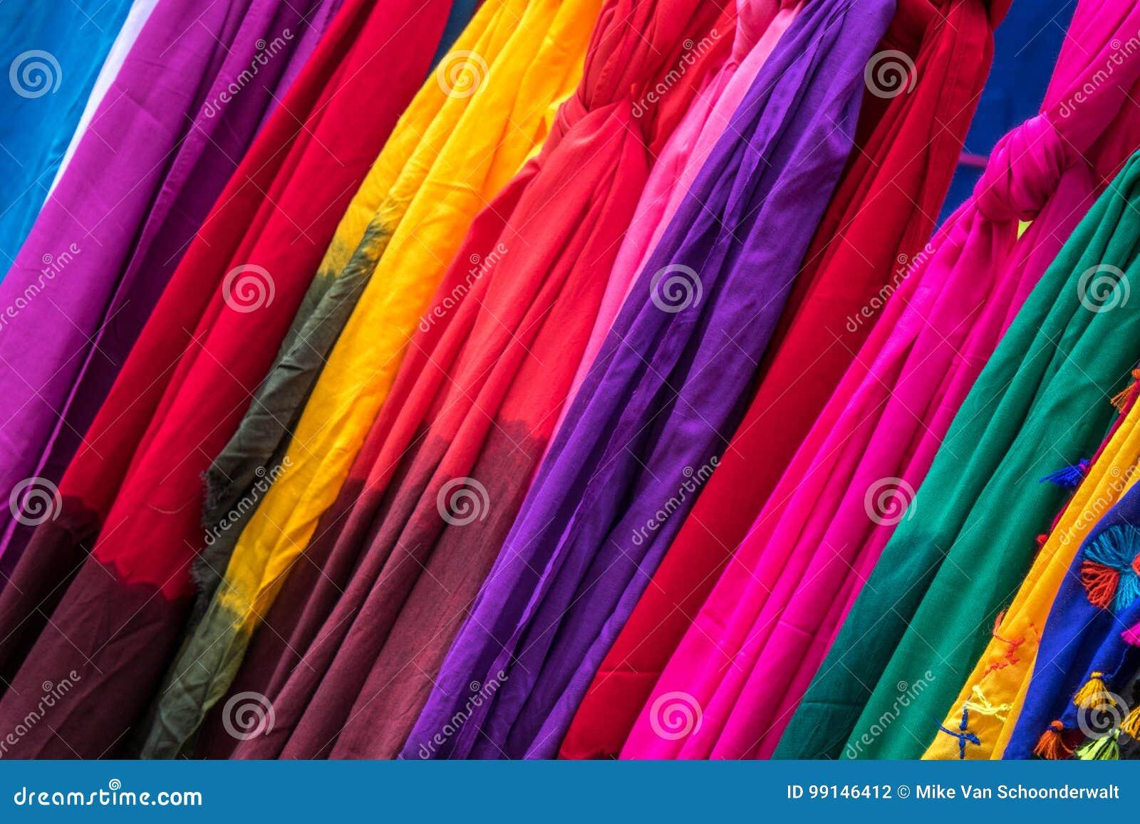 Farbiges Gewebe