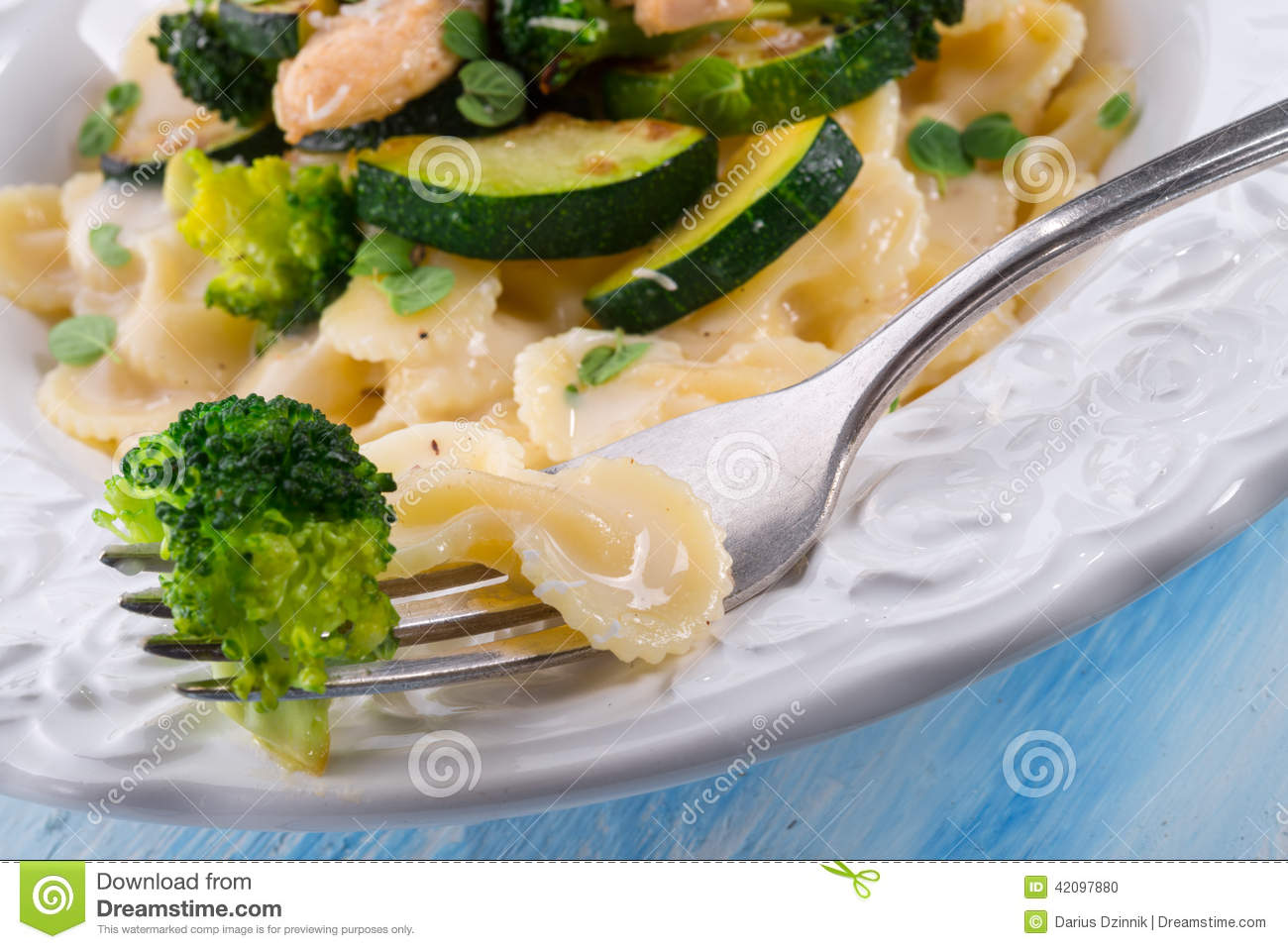 Farfalle Pasta With Zucchini And Broccoli Stock Photo - Image ...